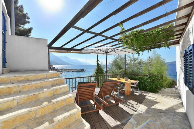 The Beach House Croatia Wooden Terrace Pisak,private access to the beach