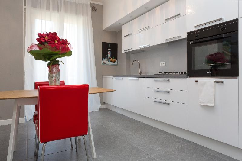 Dimora Matteotti with 6 sleeps, vacation rental in Villafranca di Verona