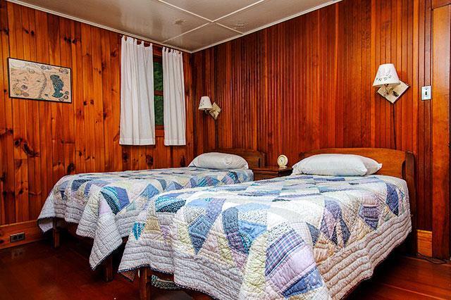 Bedroom 2 Winter Camp