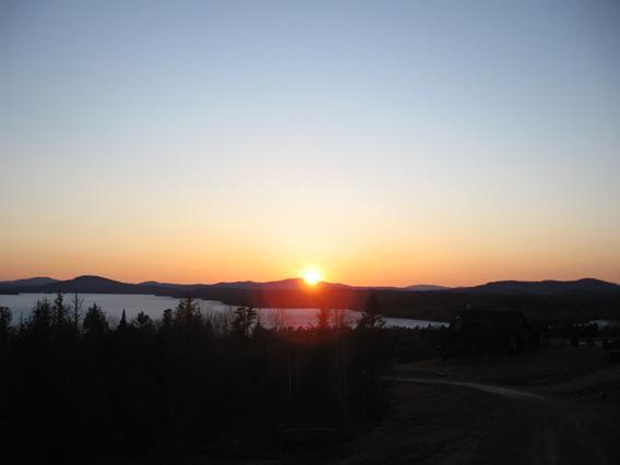 Atardecer en el lago Rangeley de Hamble Retreat
