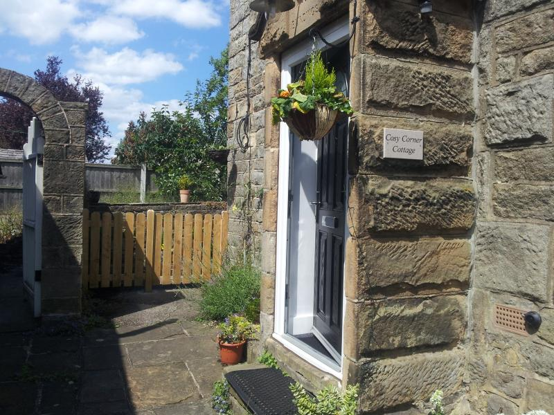 Cosy Corner hidden away in a quiet area of Baslow within walking distance of Chatsworth House