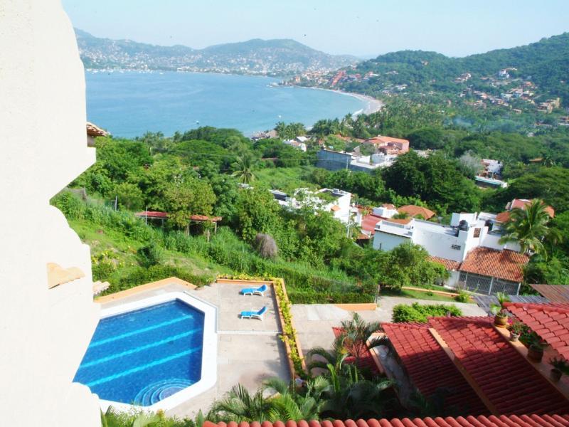 Vista para a Baía (com vista para a piscina)