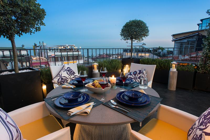 Istanbul Irini Seaview House - Private House, holiday rental in Istanbul