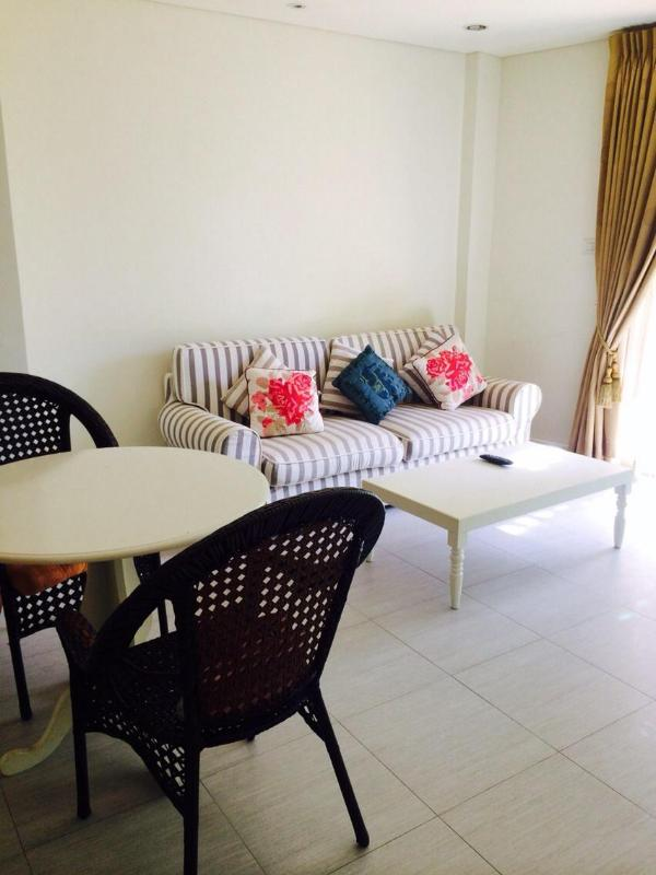 1 bedroom 1 bathroom unit in HuaHin town on the beach side just walk 2 minutes and close to the food market . – semesterbostad i Nong Kae