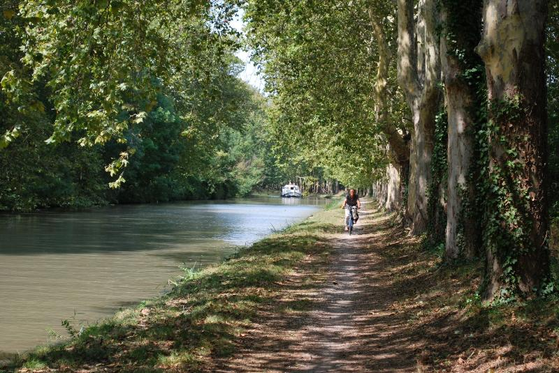 The nearby Canal du Midi