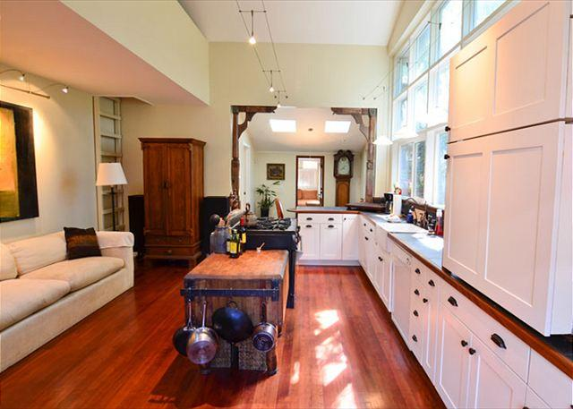Fabulous kitchen with plenty of room and counter space for cooking!