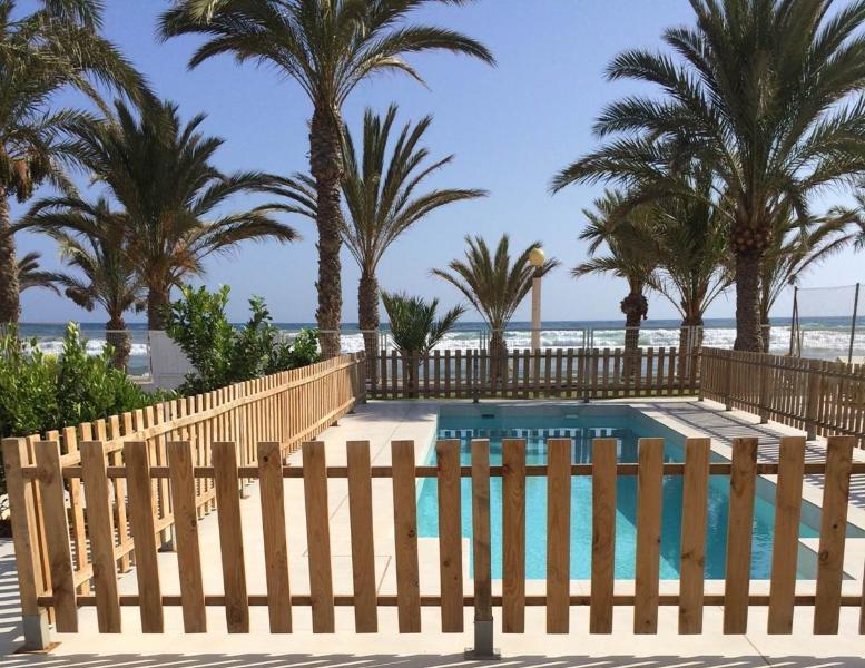IMPRESIONANTE A 1 METRO DEL MAR. PISCINA PRIVADA, vacation rental in La Azohia