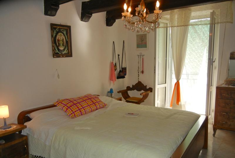 Lovely country house in the heart of Monferrato, vakantiewoning in Gamalero