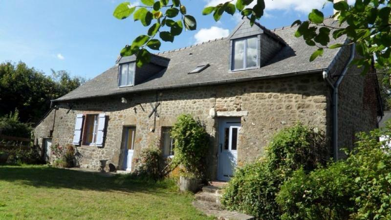 4 Bedroom Gite near Bais in Mayenne, France, holiday rental in Torce-Viviers- en-Charnie