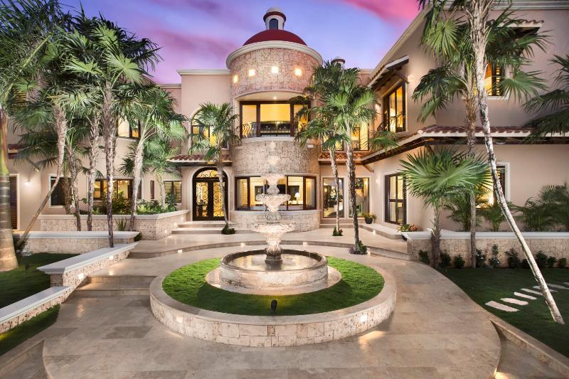 Villa Vidorra - Luxury Villa On Soliman Bay, alquiler de vacaciones en Bahía de Soliman