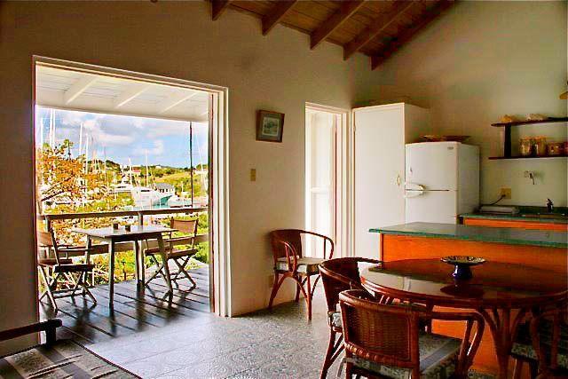 Open plan studio with full functional kitchen