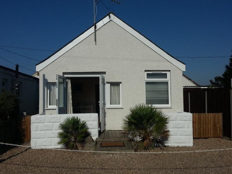 Beach Cottage, Jaywick Sands, Clacton on Sea, vacation rental in Essex