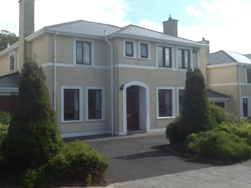 Double room with garden view including breakfast, holiday rental in Rosses Point