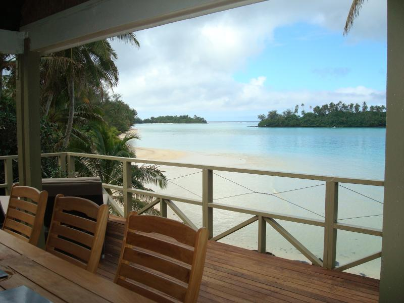 Your stunning views out to Muri Lagoon and our amazing beach (@ low tide)