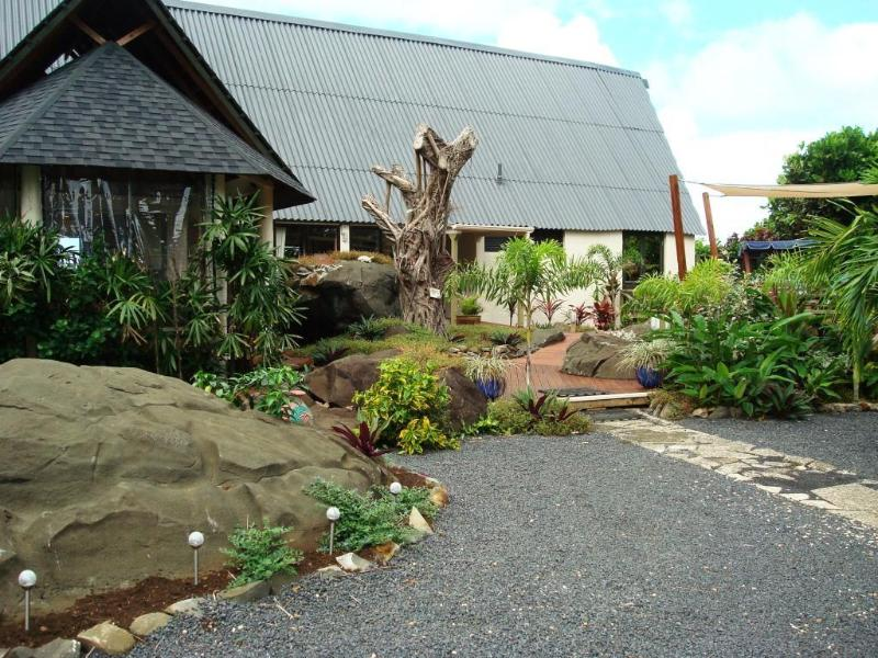 Our 'Rustic beach house' with natural landscaping