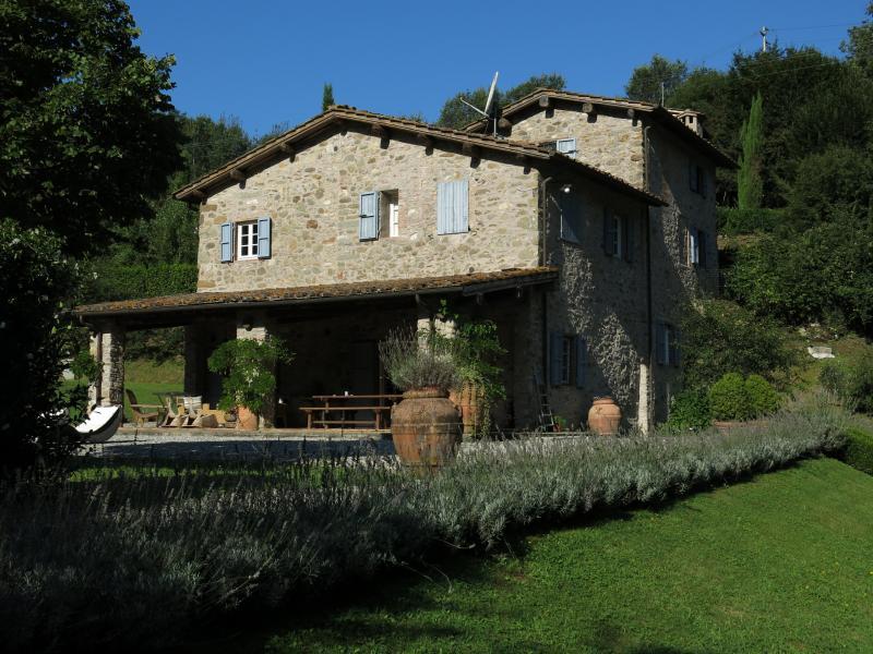 La casa y el jardín
