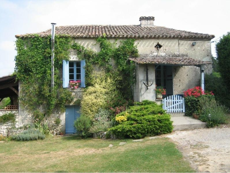 Le Grand Bois Ideal for Couples Families and Groups (sleeps 2-10) Eymet Bergerac, holiday rental in Eymet