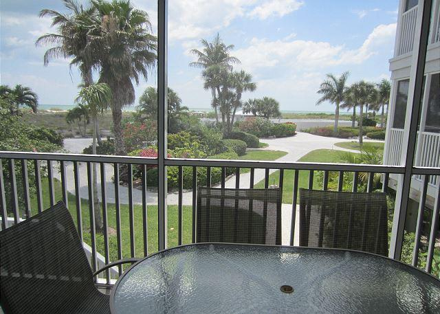 Unobstructed View of the Gulf with Beachside steps and resort access   A3311A, alquiler vacacional en Cape Haze