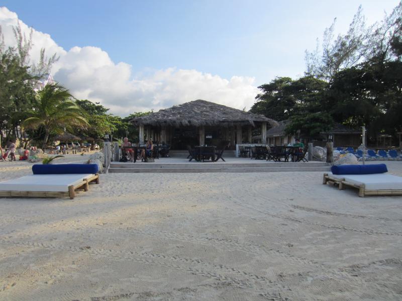 Bamboo Blu restaurant & bar