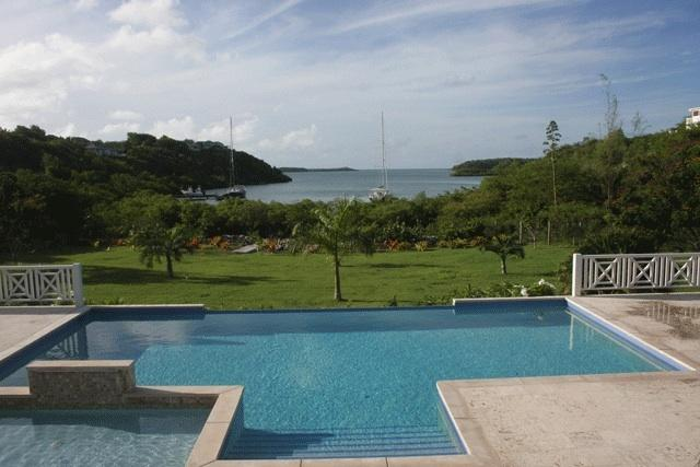 Great view of Brewers Bay from the infinity pool