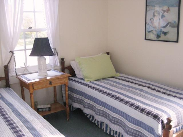 Bedroom 2 with 2 Twin beds on the 1st floor - 30 Seabeach Road Chatham Cape Cod New England Vacation Rentals