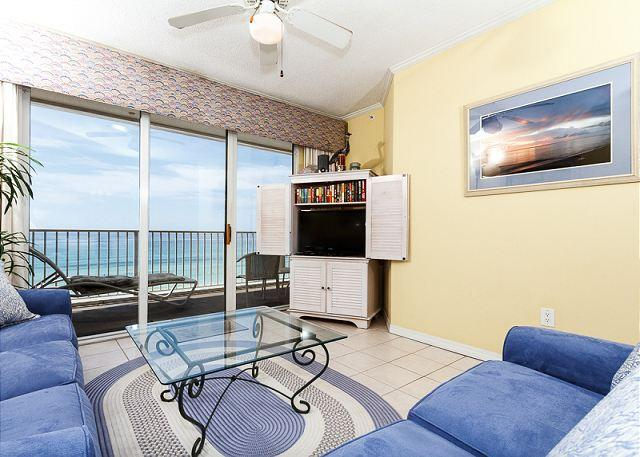 Very comfortable and cozy beach front living room! New in august