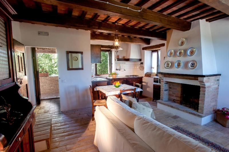Le borette App. Della Bella Vista, vacation rental in Fiastra