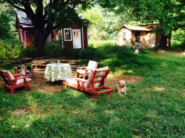 Mountain country living in casual comfort- 40's lawn furniture, firepit-bbq w/free wood, bungalows