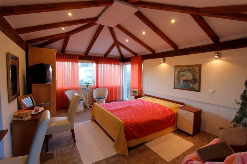 Studio apartment on Lopud 5, vacation rental in Sipanska Luka