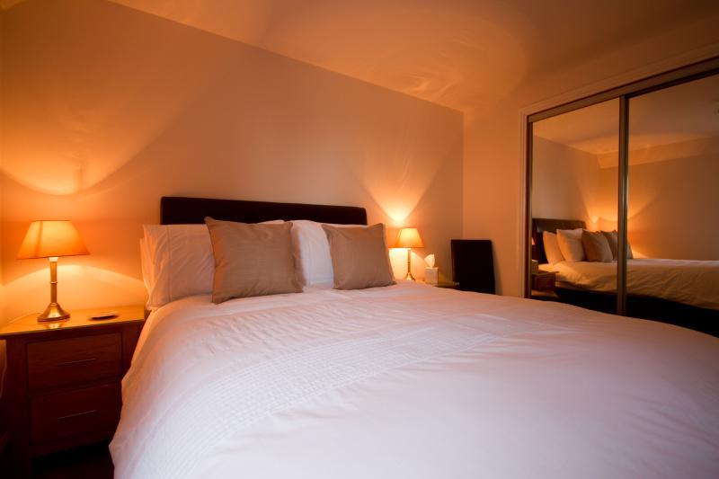 Double bedroom with en suite shower room