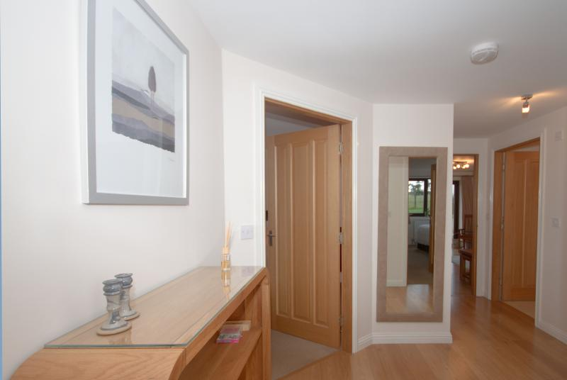 Solid oak finishing throughout adds to the quality feeling of Kittle View