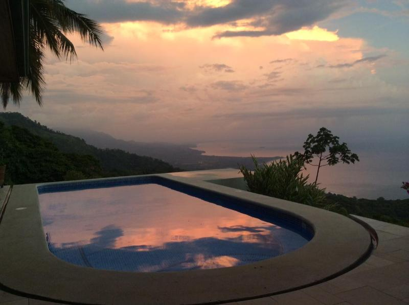 Top of the World View !!, holiday rental in Platanillo