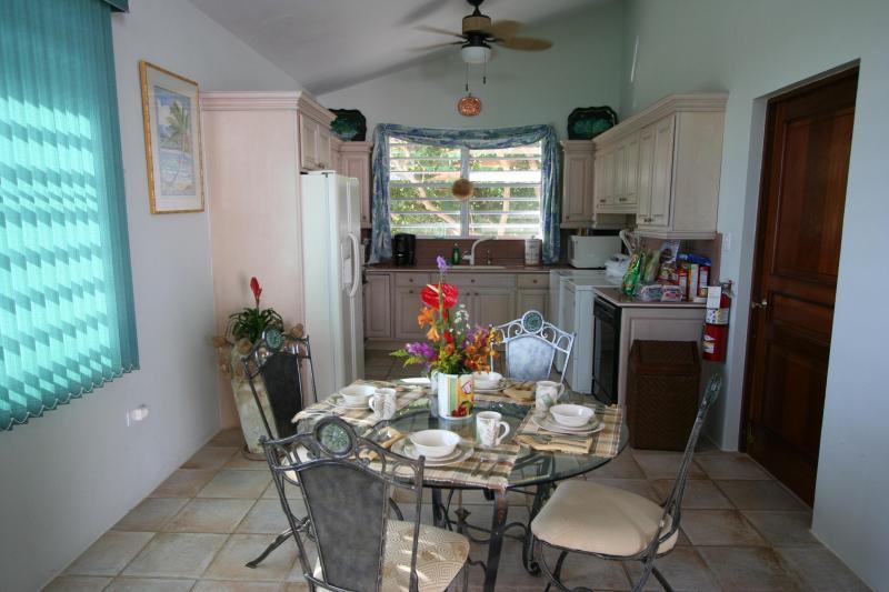 Casita Kitchen/Dining