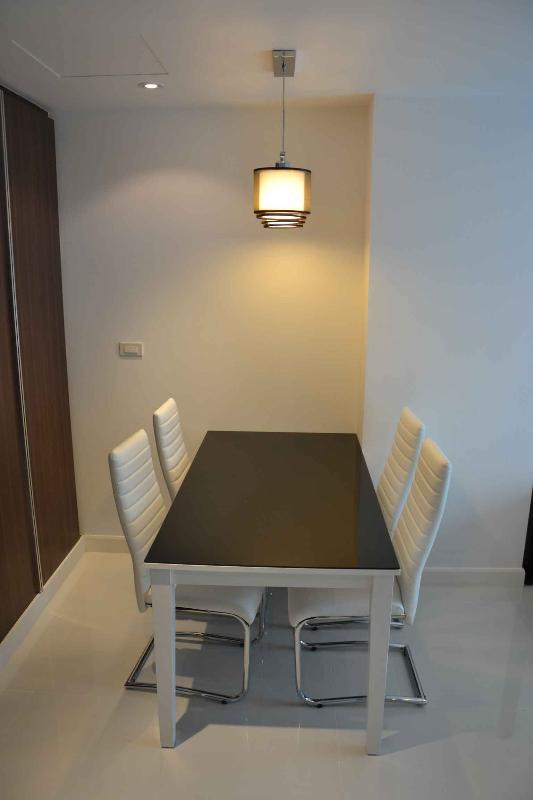Dining for 4 with comfortable Chairs