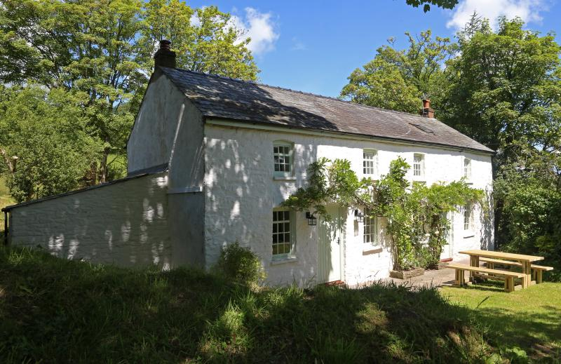 Front  of Tyn y Coed Cottage