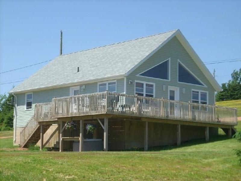 Stanley River Chalet 2, holiday rental in Clinton