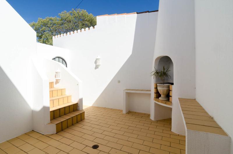 L'escalier menant à la terrasse sur le toit