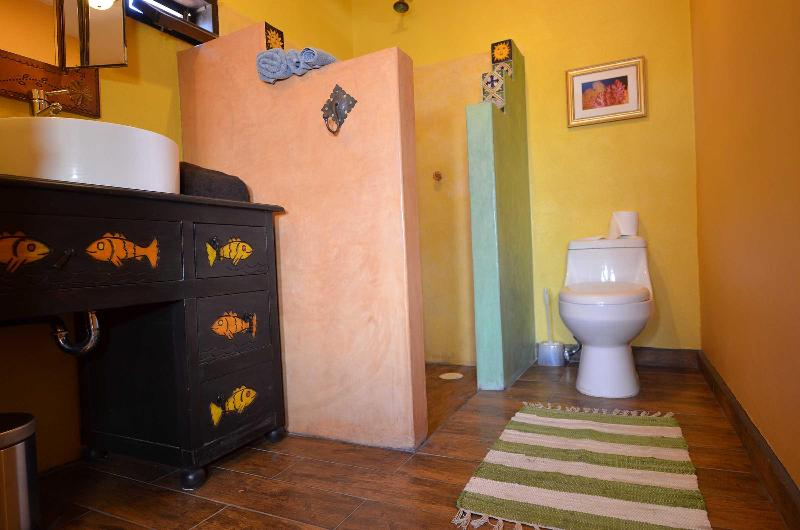 Casita bedroom bath