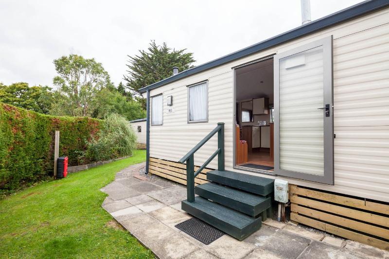 Pinewood Caravan Park Unit 4, holiday rental in Saundersfoot