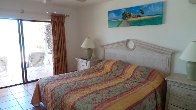 Villa 405 St James Club Mamora Bay Antigua, holiday rental in Seatons