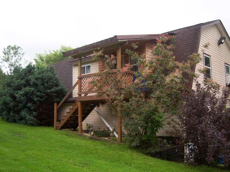 Side entrance to lodge  house