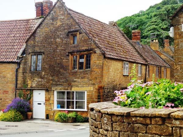 THE TUDOR ROSE, woodburning stove, four poster bed, feature beams and stone, location de vacances à South Petherton