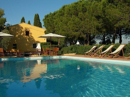 tipica casa colonica toscana sulle colline pisane, vacation rental in La Capannina