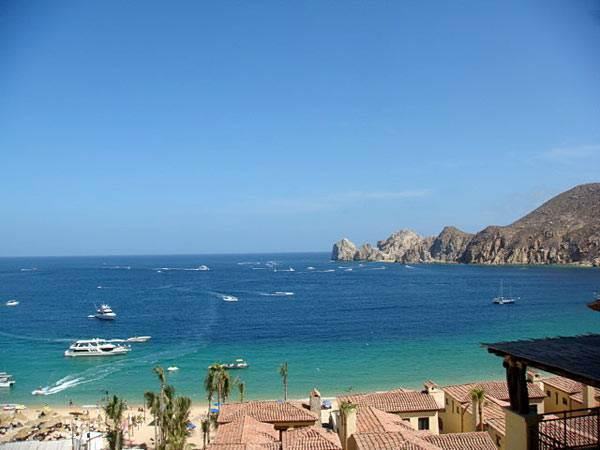 Beautiful Beachfront Condo with Club Access at Hacienda 1-501!, holiday rental in Cabo San Lucas