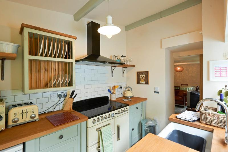 Rock Cottage's hand-built wooden kitchen with easy to use range cooker
