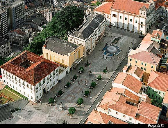 Birds eye view onto Praca da Se where the apartment building is located