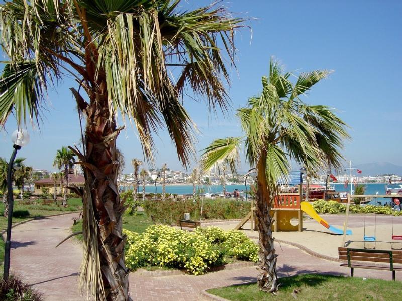 Sabbia D'oro appartementen, location de vacances à Mavisehir