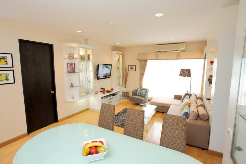 Central Bangkok 3 Bedroom Apartment on Sukhumvit Rd ...