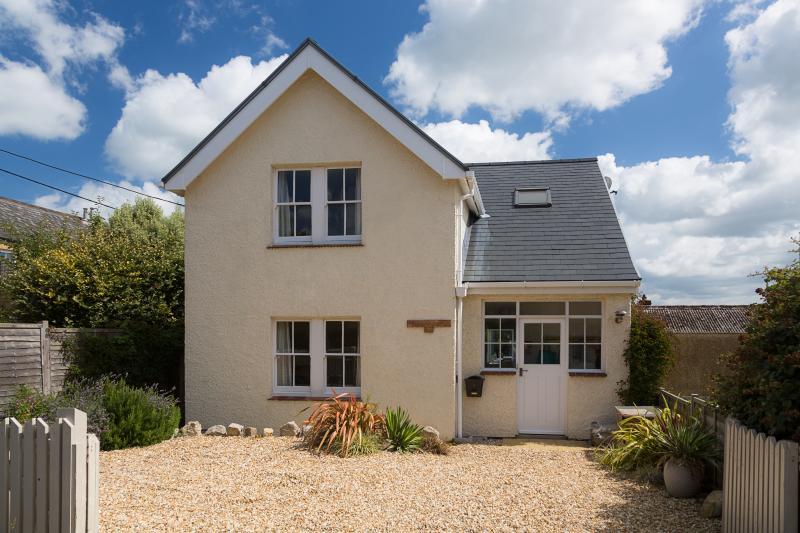 Nonsuch Cottage Bembridge, Close To The Beach And A Great Location For Holidays, aluguéis de temporada em Bembridge