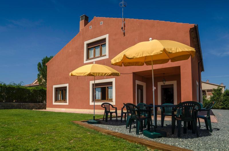 La Serrana Alojamiento Turístico ( La Higuera), location de vacances à Bernuy de Porreros